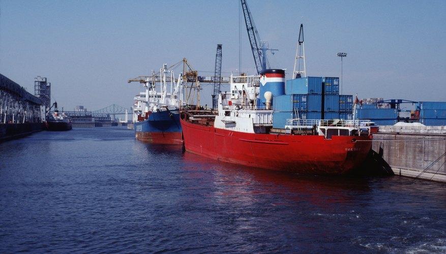 El envío internacional mueve bienes a donde la demanda es alta.