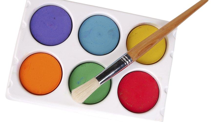 Usa acuarelas para pintar vidrio.