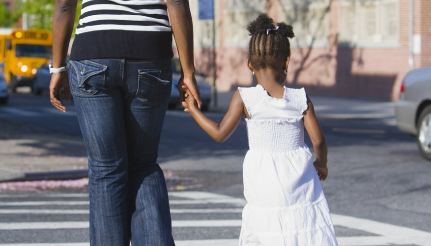 Comienza a hablar con tu hijo sobre mantenerse a salvo.
