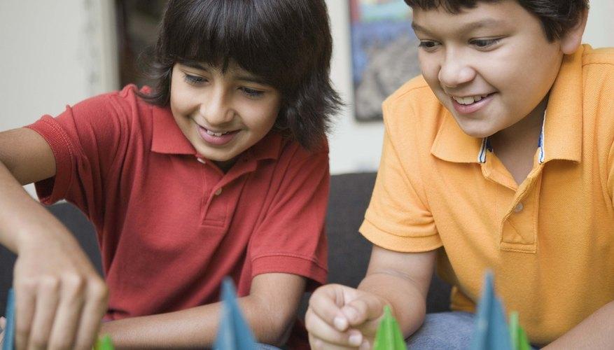 Las ruletas dirigen el juego en los juegos de mesa del aula.