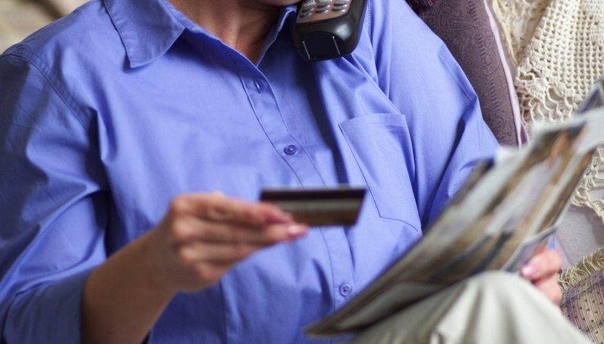 Puedes transferir el saldo de una tarjeta de crédito a otra, pero no podrás pagar su saldo directamente con otra tarjeta.