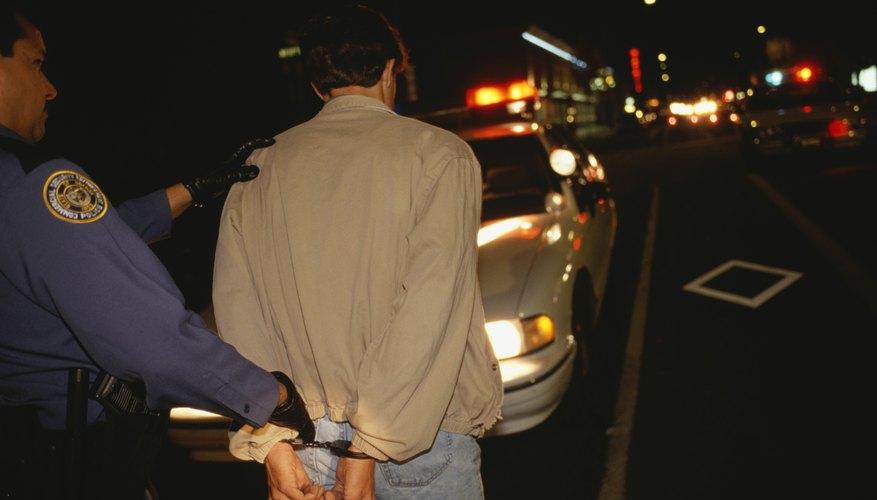 Cuál es la diferencia entre una detención y un arresto.