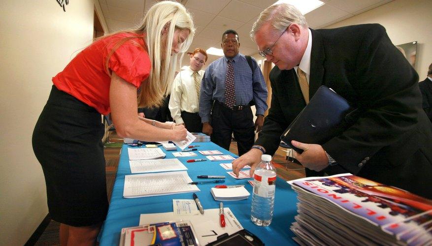 Illinois Job Fair Caters To Veterans