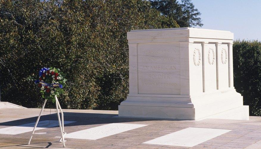 Visita la tumba del Soldado Desconocido.