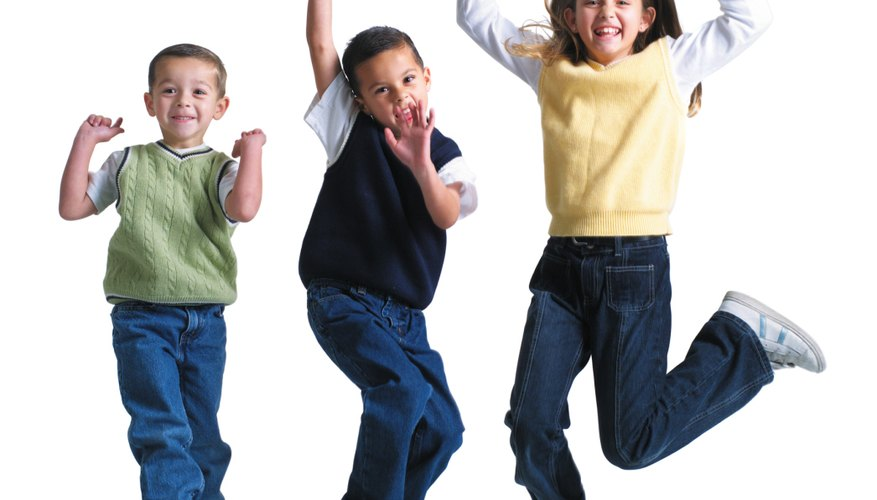 Los niños activos se caracterizan por  tener resistencia, fuerza y flexibilidad.