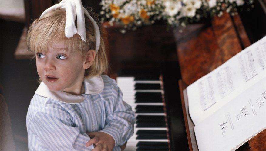 Existen una gran variedad de canciones sencillas para que puedas aprender a tocar el teclado.