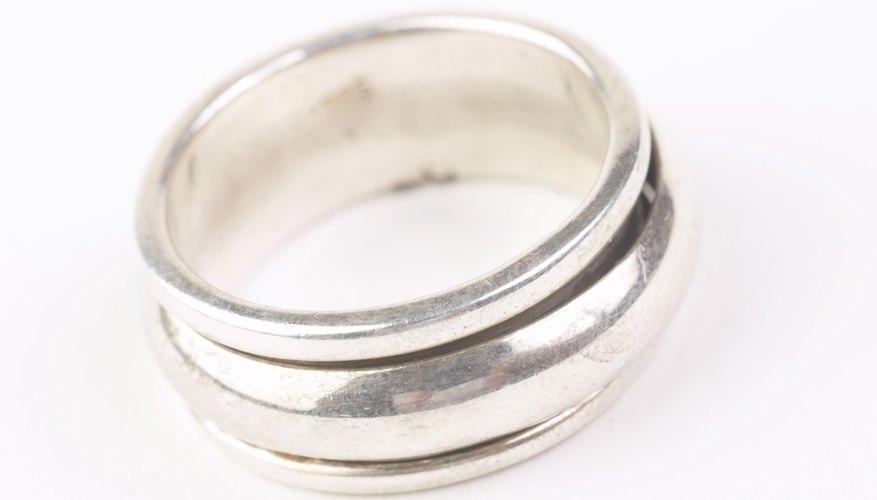 C mo limpiar un anillo de plata deslustrado geniolandia for Como limpiar un rosario de plata