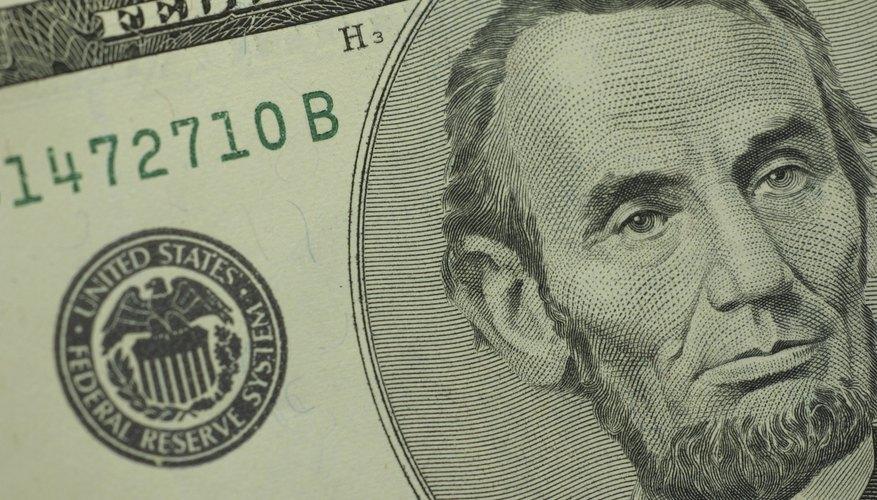 Limpia los billetes de ambos lados.