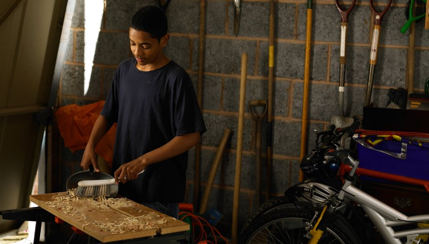 C mo preparar masilla de madera con pegamento y aserr n - Masilla para madera casera ...