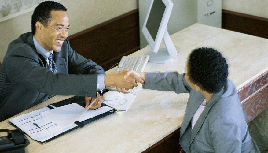 Tener una retención colocada en tu cuenta bancaria puede ser frustrante y perjudicial.