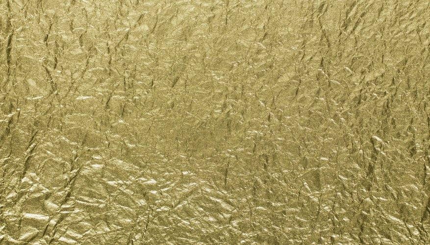 Utiliza calor para transferir una imagen de aluminio dorado a un objeto.