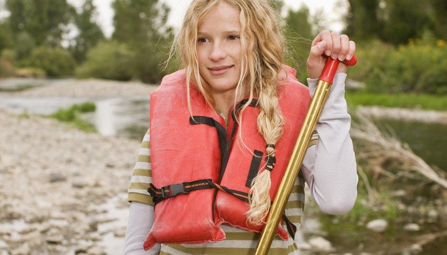 En lugar de sobreproteger a tu hijo, permítele extender sus límites dejándolo que explore nuevas experiencias.