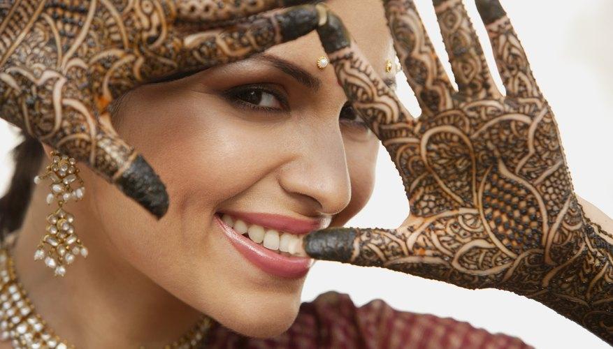Los tatuajes de henna tienen sólo ligeras variaciones en el color.
