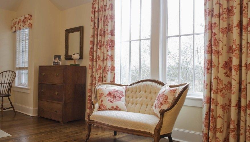 Use sillones de madera con fines decorativos.