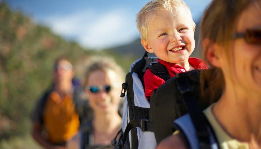 Escalar con un niño pequeño puede ser fácil.