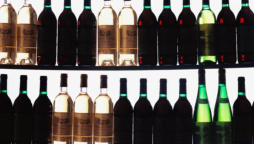 Almacenar es la colocación de productos, comercialización y bienes en unidades de almacenamiento como una parte importante de la gestión de la distribución.
