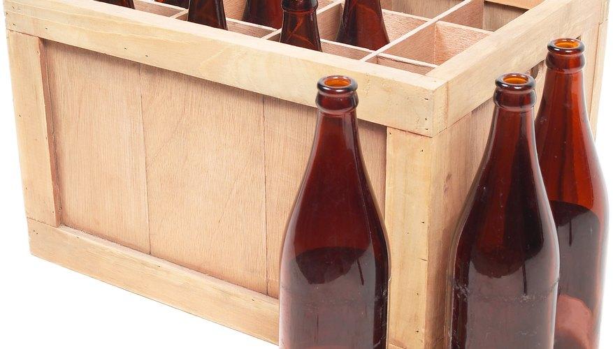 Haz una araña fantástica utilizando botellas de cerveza.
