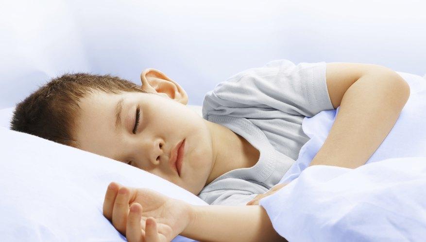 Un bocadillo antes de dormir puede ayudar a tu hijo a tener un sueño más profundo.