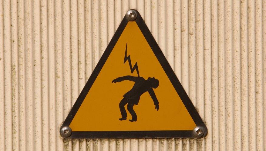 No utilices cables de conexión que sean más pequeños que el calibre del cableado del circuito original.