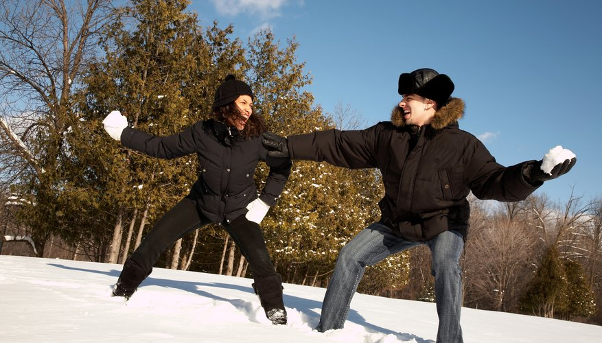 Make the most of a winter date with an old-fashioned snowball fight.