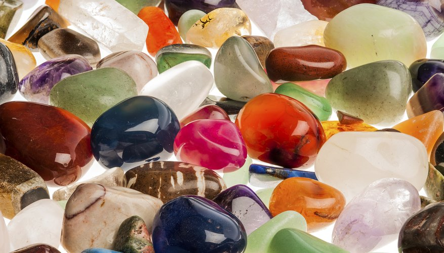 Assorted polished gemstones