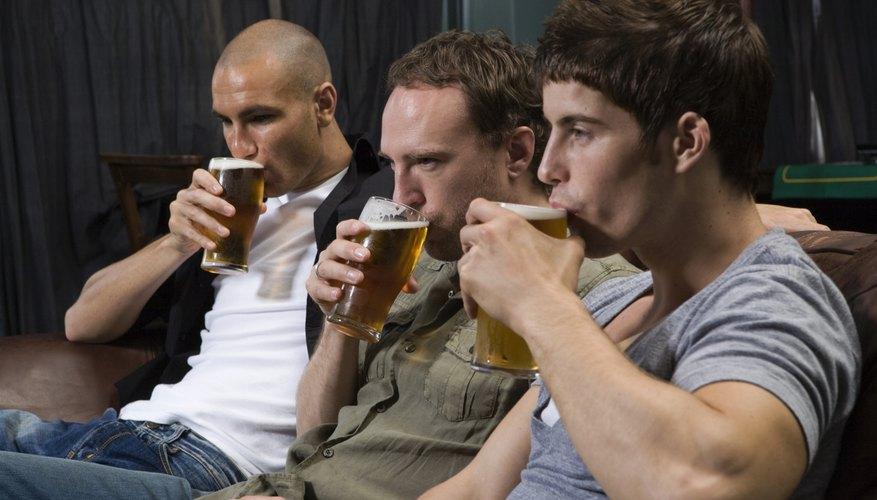 Cuando los padres proporcionan alcohol a menores de edad, podría haber consecuencias legales.