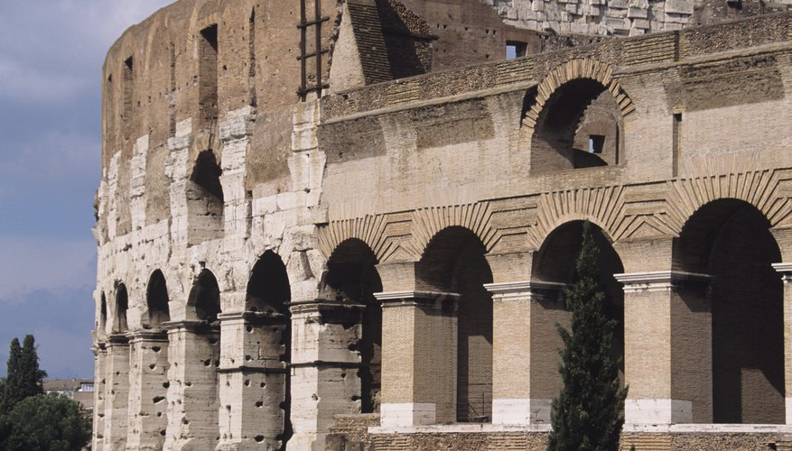 Arch architecture is key to the Colosseum's longevity.