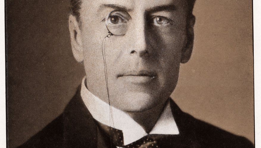 Un famoso usuario de mnonóculo fue el político y reformador social británico Joseph Chamberlain.