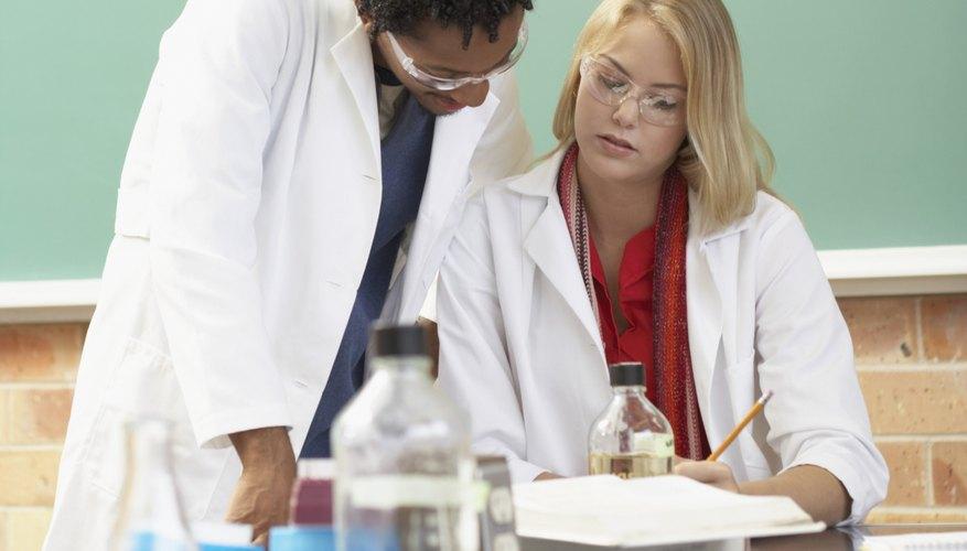 La notación científica es muy utilizada en química.
