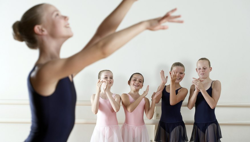 Jazz and ballet are sometimes combined in children's classes.