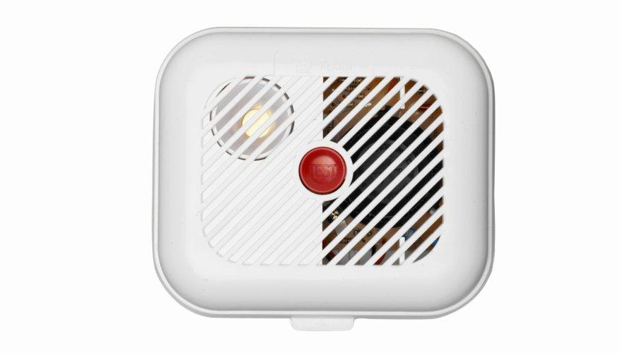 Las alarmas de incendio detectan los cambios de temperatura que son causados por los incendios.