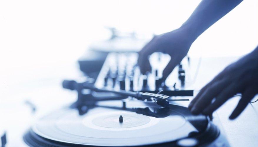Algunas fiestas rave permiten que lleves tu propio equipo de sonido y muestres tus habilidades como músico.