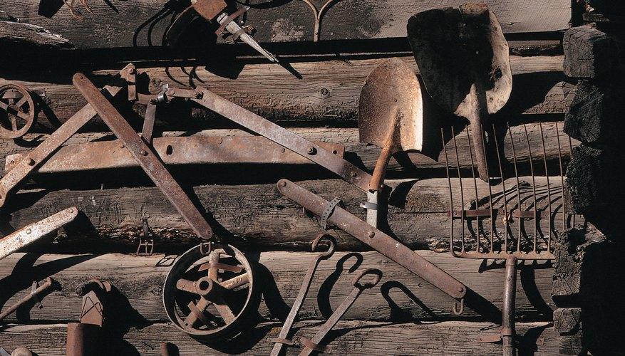 Una amplia variedad de herramientas y utensilios eran fabricados por los herreros.