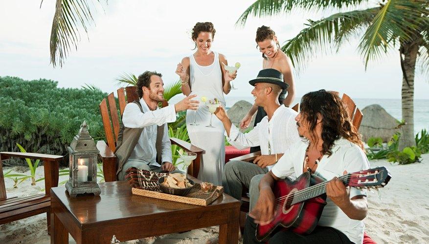 La música latinoamericana es amplia y tiene numerosas características diferentes.
