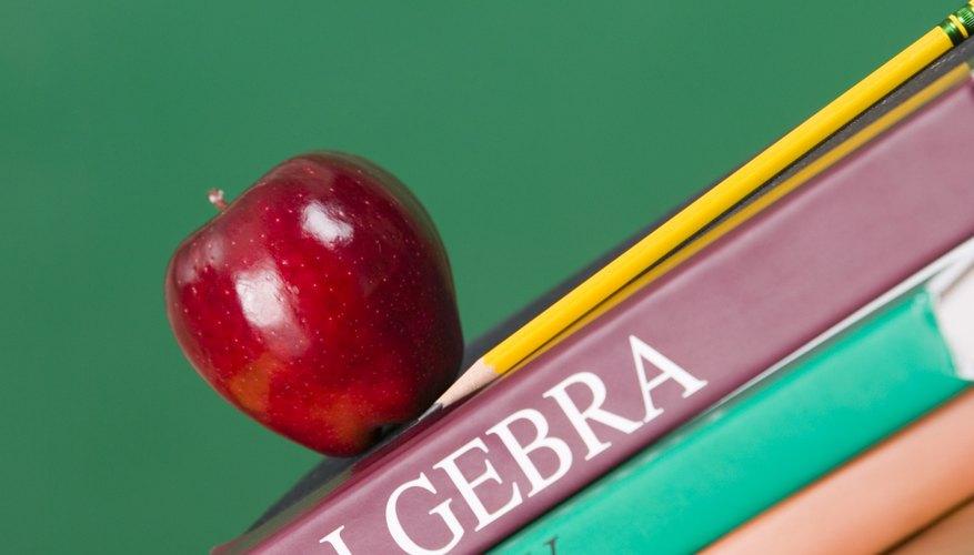 Aprender cómo resolver sistemas de ecuaciones lineales es parte de la materia de álgebra de la secundaria.