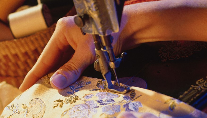 Hoopless machine embroidery can be easy.