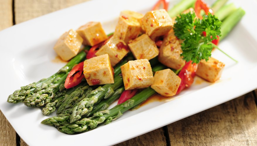 Marinated tofu with asparagus.
