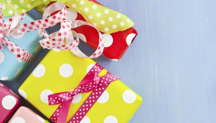 Cmo comenzar un negocio de envoltura de regalos Cuida tu dinero