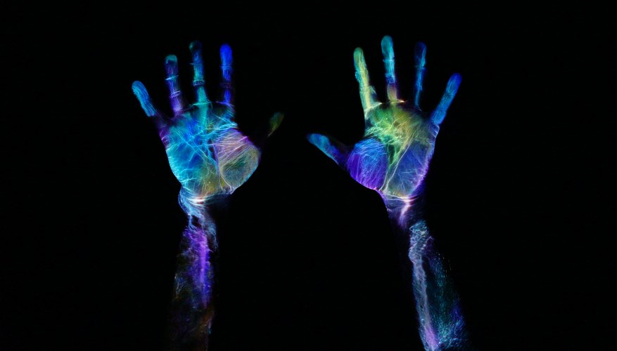 How to Find Fingerprints With a Black Light