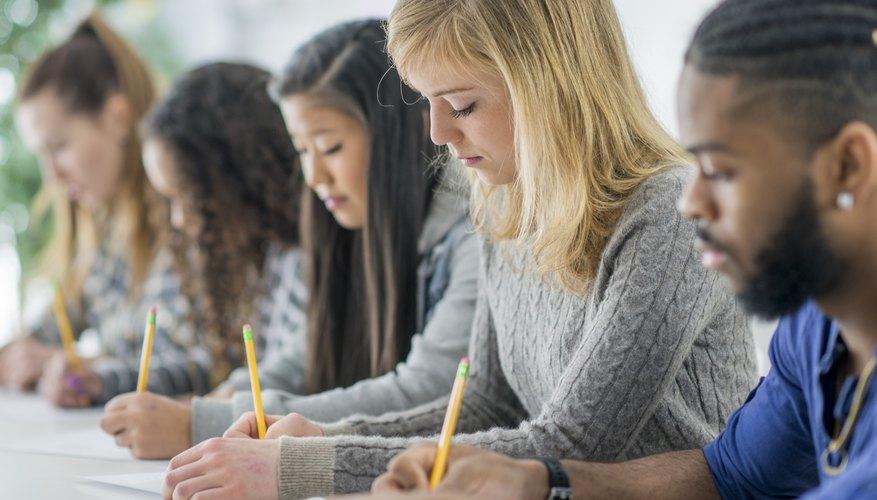 Advantages & Disadvantages of Traditional Assessment