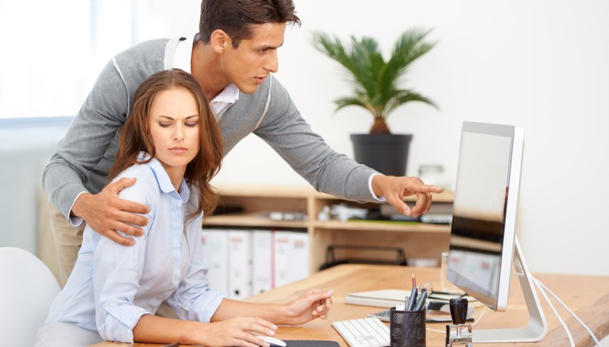 advantages and disadvantages of dating a coworker