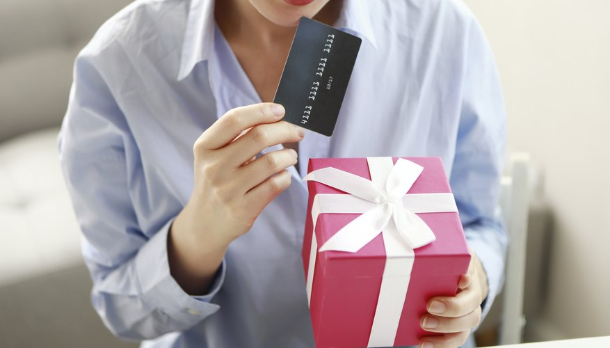 How to Track Purchases Made on a Visa Gift Card