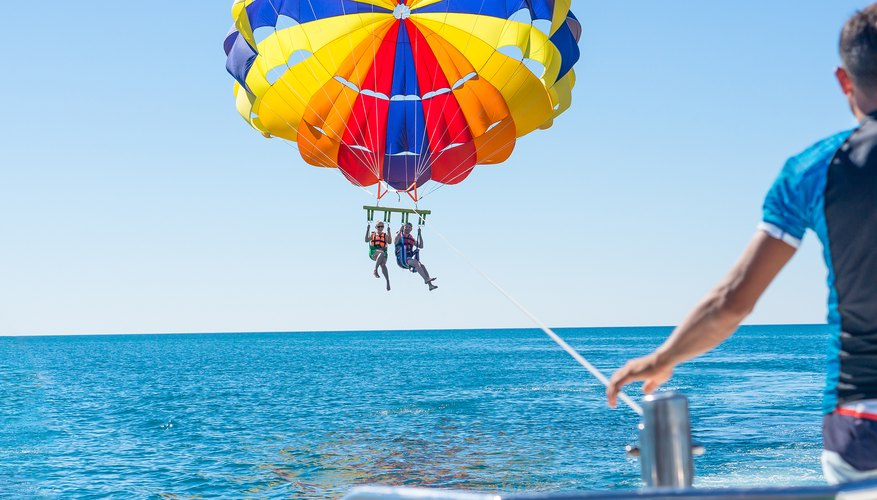 How Old Do You Have to Be to Parasail?