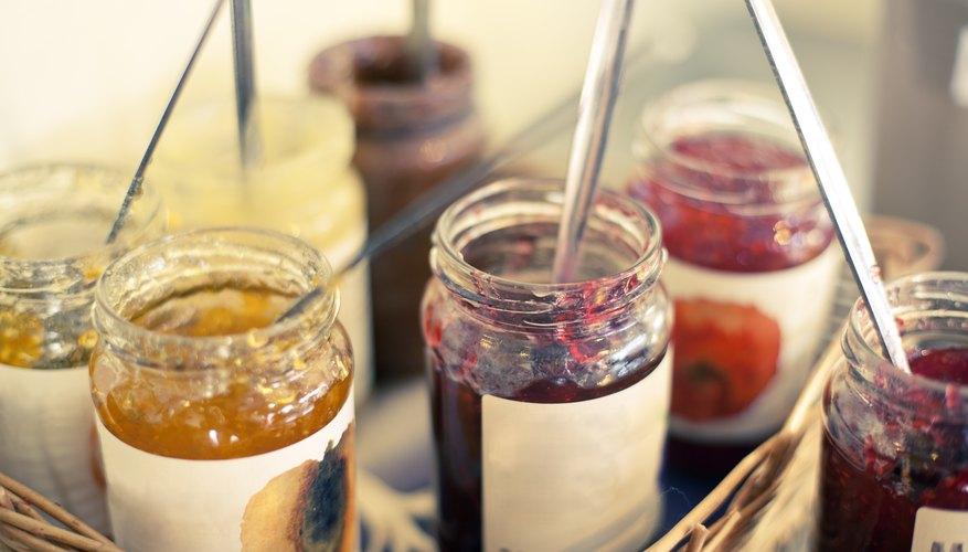 Puedes crear las etiquetas para los frascos de mermelada muy fácil.