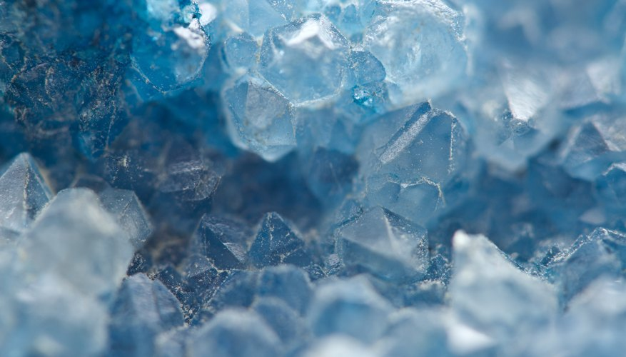 what is the difference between quartz rock crystal sciencing