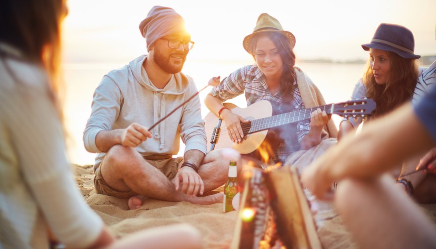 5 Ideas for Games to Play While Camping