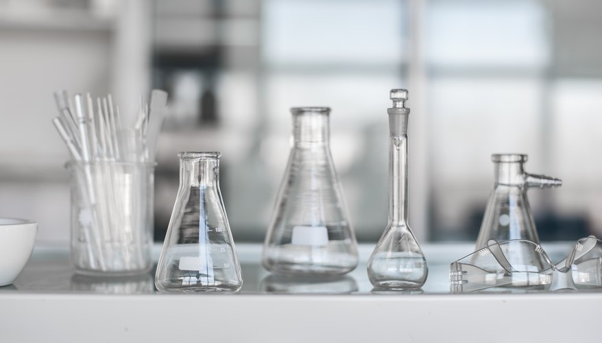 Differences In Lab Glassware Sciencing