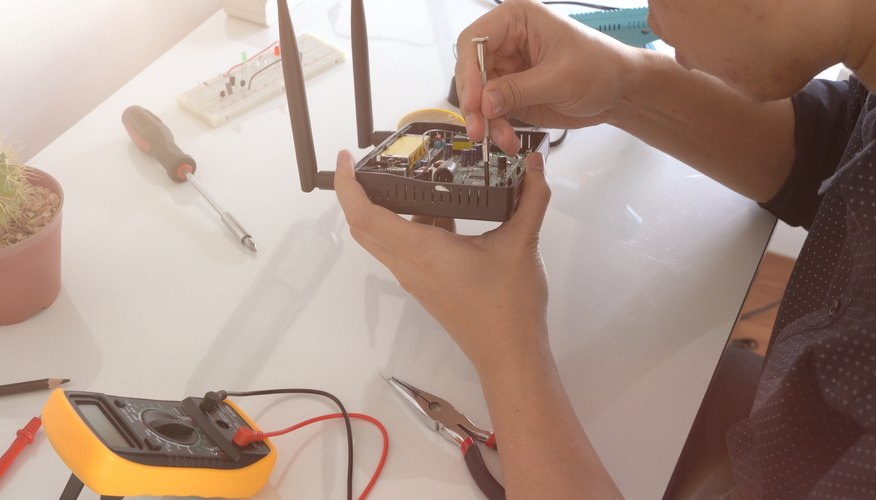 How to Measure Wattage With a Multimeter