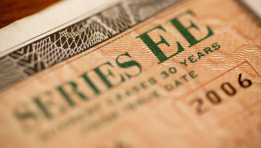 Advantages & Disadvantages of Government Bonds