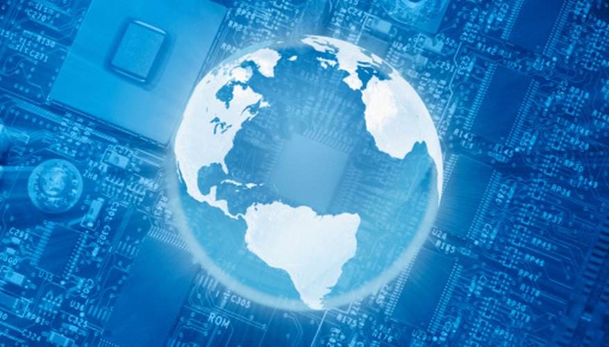La globalización facilita el comercio electrónico.